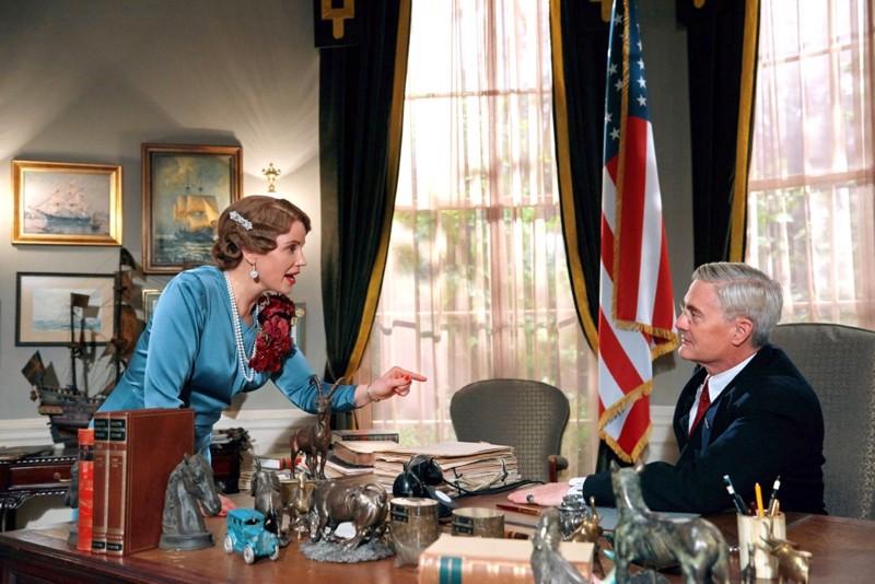 Nyt hyökkäät Japaniin ja liität Yhdysvallat toiseen maailmansotaan, ohjeistaa kruununprinsessa Märtha presidentti Rooseveltia.