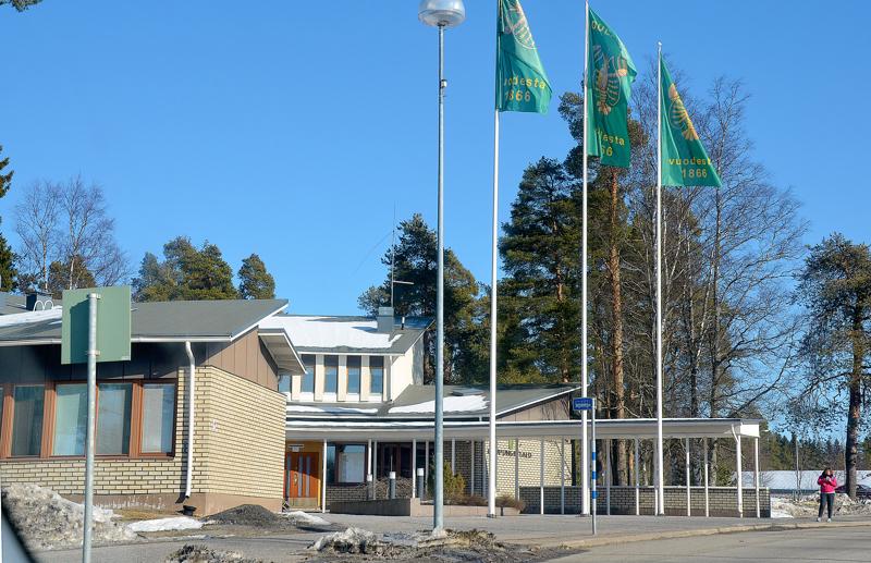 Oulaisten kaupungin on helpompi kehittää rautatieaseman seutua, kun sen viereiset maat ovat kaupungin omistuksessa.