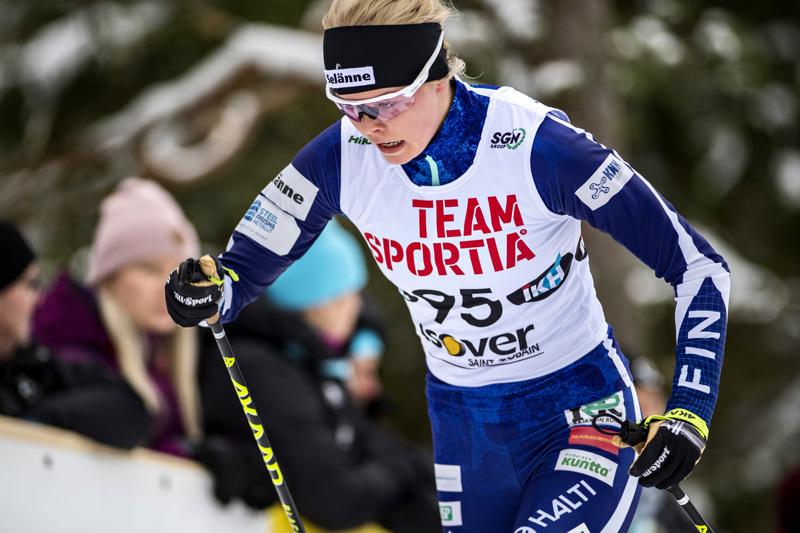 Anni Alakoski hiihti hyvän osuuden Vantaan viestissä.