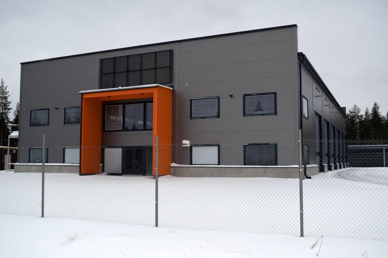 Haapajärven uuden teollisuuskylän ensimmäinen halli on palaamassa kaupungille, jollei sille löydy uutta omistajaa.