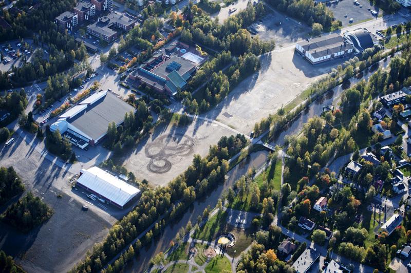 Urheilu- ja tapahtumapuisto on nousemassa Urheilutalon, uimahallin ja jäähallin viereen.