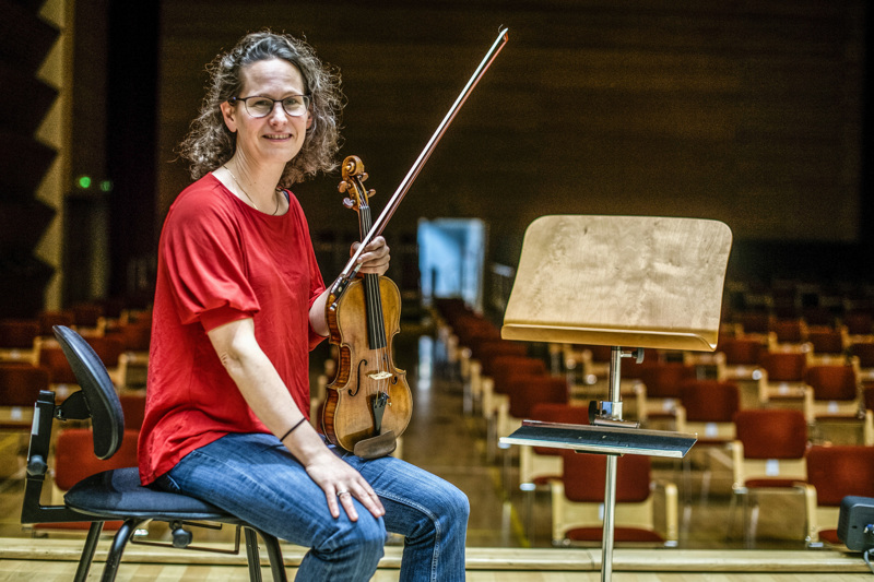 Keski-Pohjanmaan Kamariorkesterin taiteellinen johtaja Malin Broman nähtiin Kokkolassa edellisen kerran marraskuussa.