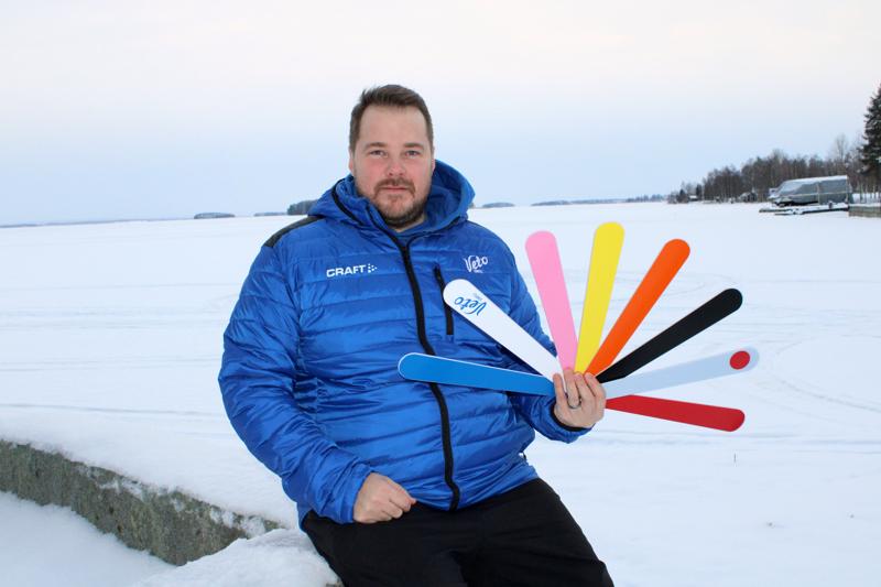 Lappajärven rantamaisemat tulevat tutuiksi Vedon uudelle pelinjohtajalle Tomi Niskaselle.