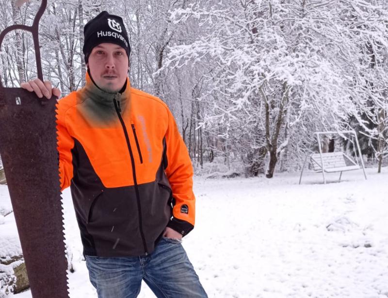 Saku on tehnyt sivutoimisena yrittäjänä metsäalan töitä parisen vuotta.