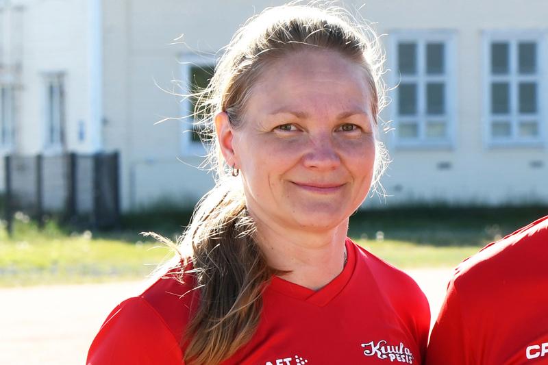 Ylivieskalainen Johanna Seppälä on Pesäpalloliiton Pohjoisen alueen uusi puheenjohtaja.