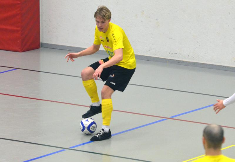 Jaakko Alasuutari teki kaksi ja syötti yhden maalin, kun Sievi FS voitti vieraskentällä Ilveksen.