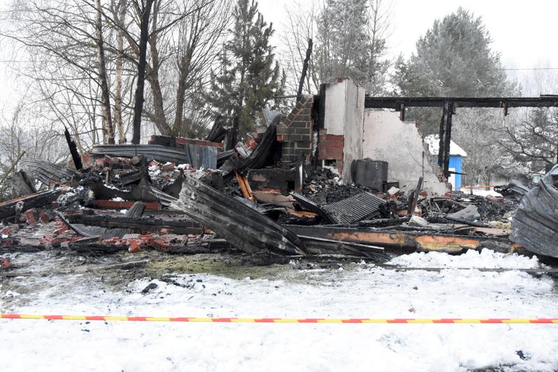 Omakotitalo tuhoutui palossa täysin.