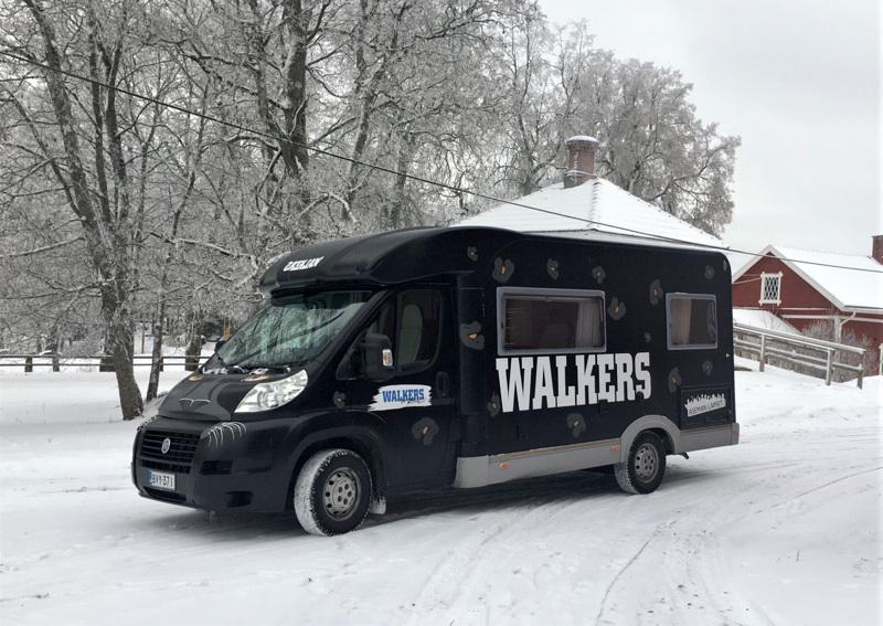 Tällainen Pantteriksi ristitty Walkers-auto tulee näkymään Pietarsaaressa talven ja kevään aikana. Tarkoituksena on kohdata nuoria siellä, missä nämä viettävät vapaa-aikaansa.