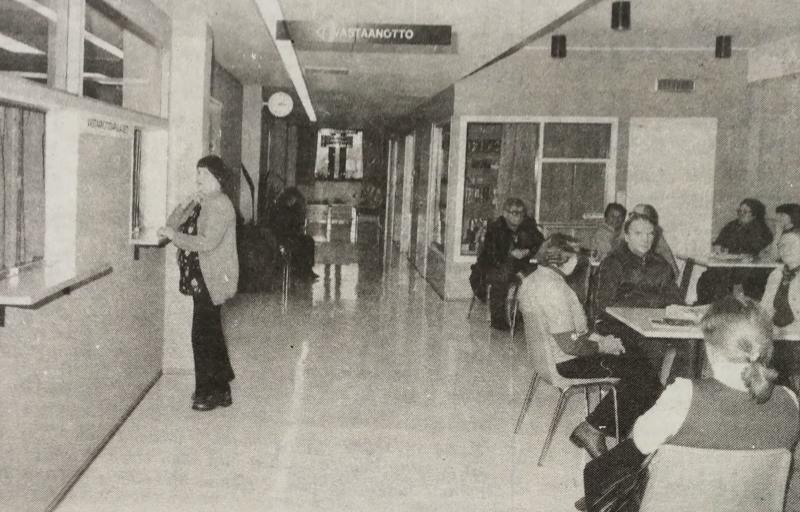 Nivalan terveyskeskuksessa on riittänyt jonoja. Viime vuonna otettiin vuodeosastoille hoidettavaksi 1554 potilasta.