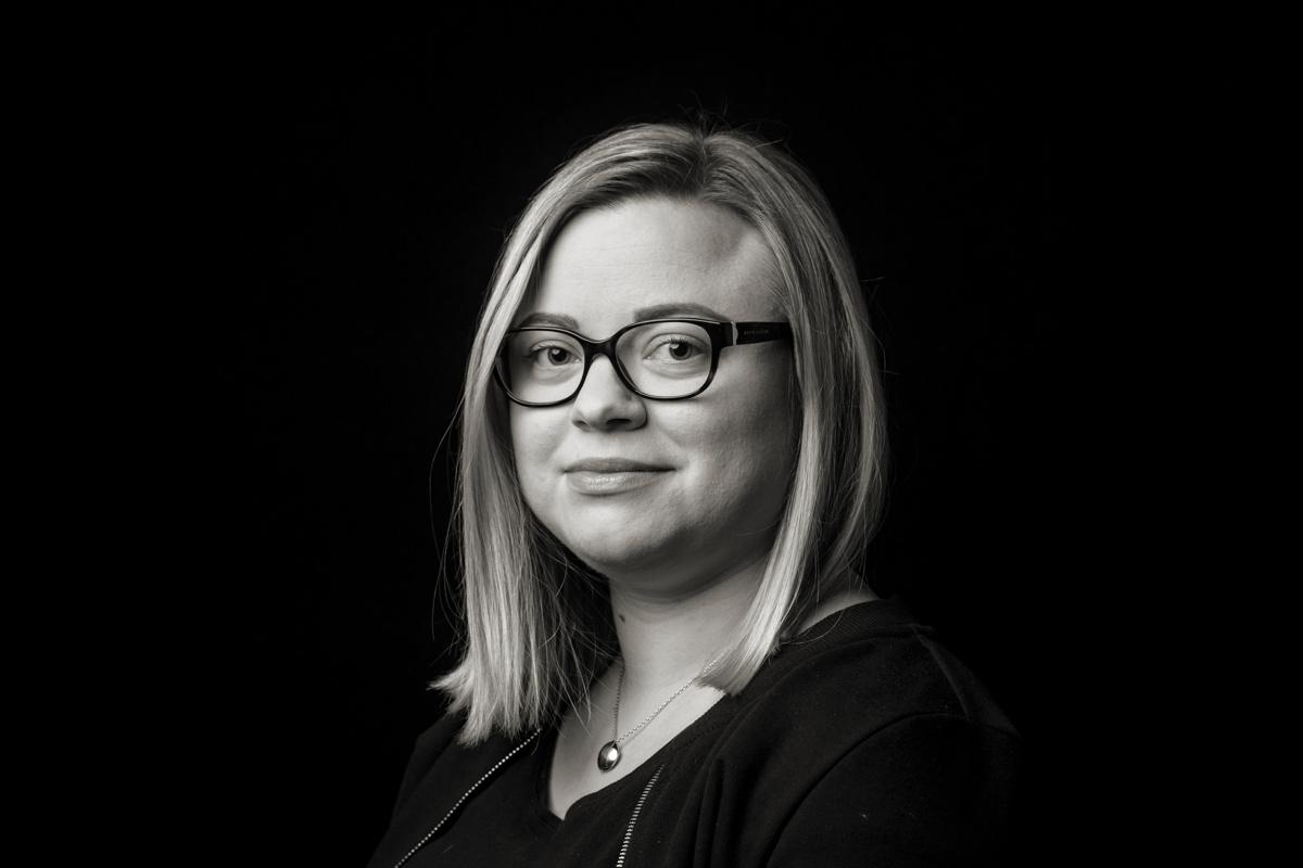 Katariina Poranen: Tositarina 90-luvun peruskoulun hiihtotunneilta, kun luokan hitaimmat...