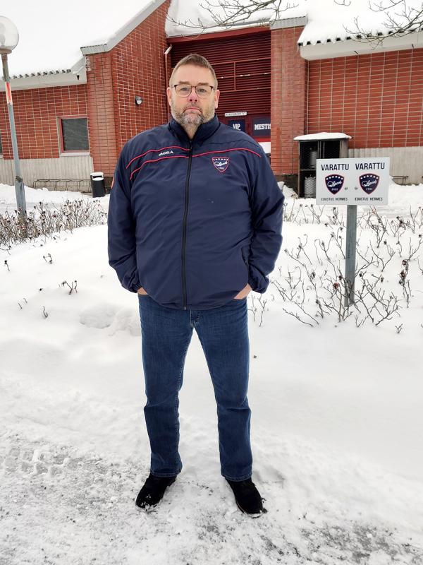 Petri Torkinlampi sanoo olevansa intohimoinen laji-ihminen. Jääkiekko on hänelle ykköslaji.