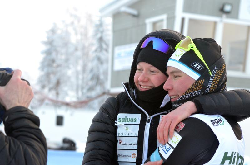 Johanna Matintalo ja Lauri Vuorinen veivät sprintin kultamitalit samaan osoitteeseen.
