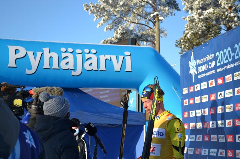 Pohti SkiTeamin värit olivat komeasti edustettuina kisoissa ja menestystäkin tuli. MM-kisoihin valmistautuva Joni Mäki heidän kirkkaimpana kärkenään.