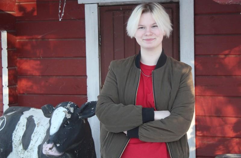 """Iita Prättäla aikoo suorittaa parin vuoden päästä kaksoistutkinnon, """"kaksarin"""" eli  valmistua rakentajaksi ja kirjoittaa ylioppilaaksi."""