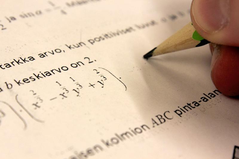 Oamk Highway -opinnoissa opiskellaan jo lukion tai ammattiopintojen aikana ammattikorkeakoulun matematiikkaa.