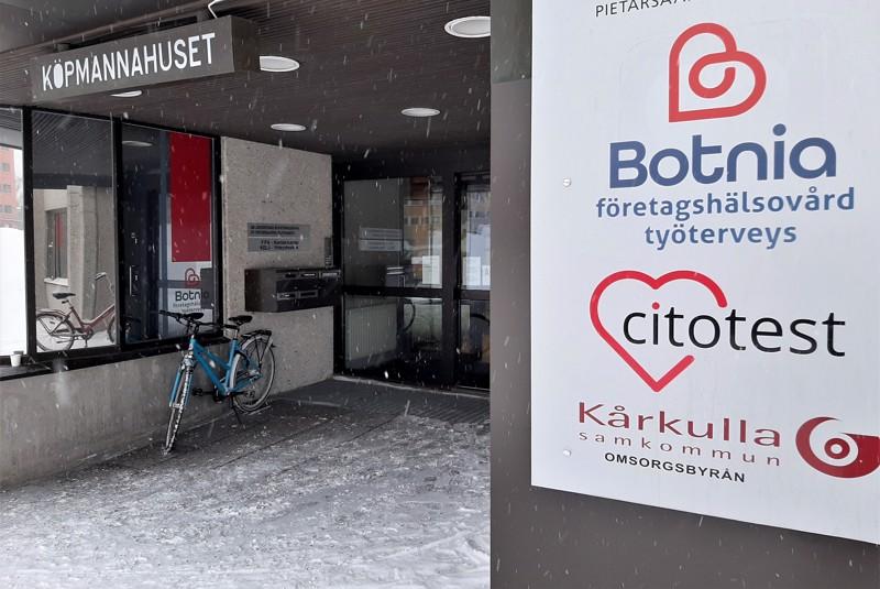 Pietarsaaressa ja Kokkolassa toimiva Botnia Työterveys on saanut tunnustuksen Suomalaisen Työn liitolta.