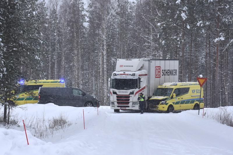 Poliisi tutkii onnettomuutta.