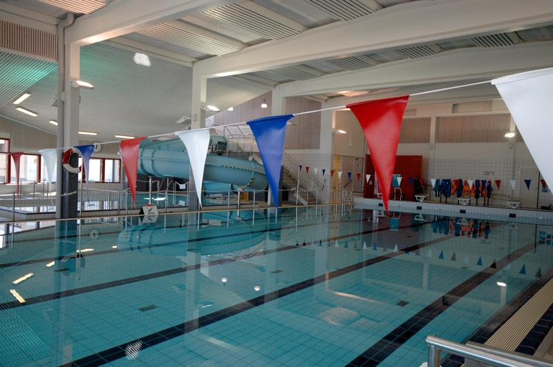Ylivieskan uimahalli pysyy ensi viikon auki erityisjärjestelyin ja kävijämäärää rajoittaen.