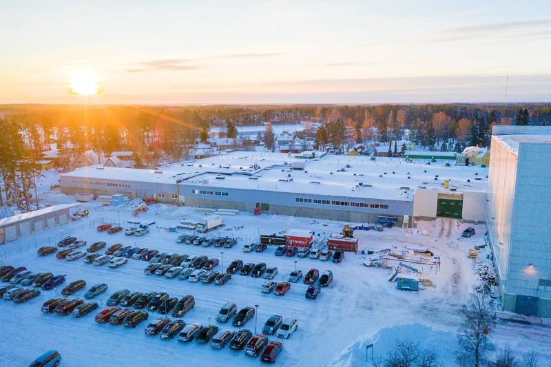 Sievin Jalkine Yritys investoi 15 miljoonaa euroa tuotanto- ja varastotilojen laajennukseen sekä varastoautomaatioon Sievissä.