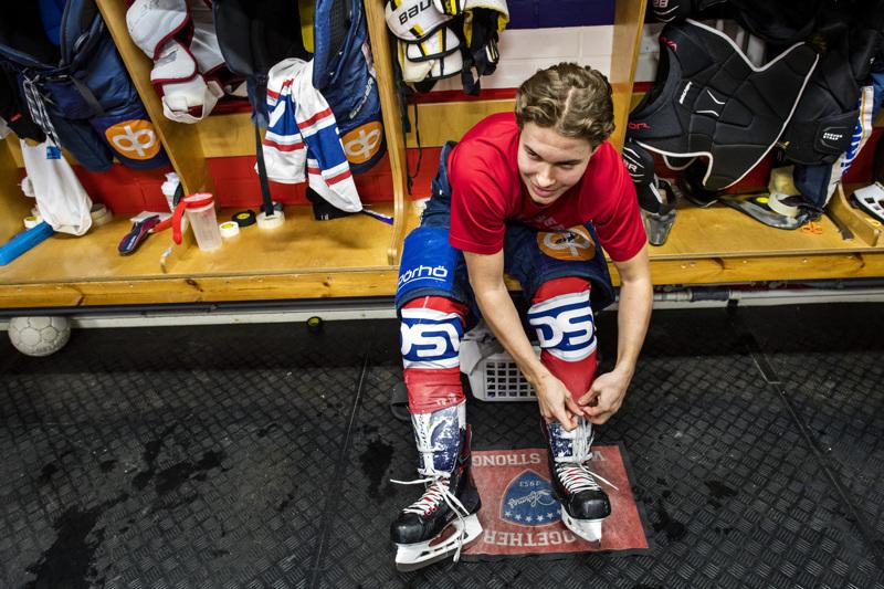 Hermeksen kapteeni Oskari Uomala aikoo nauttia täysillä jokaisesta jääkiekkoilijan työpäivästä.
