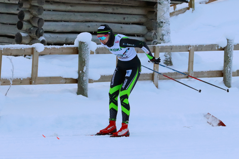 Roosa Juuska vei naisten sarjan voiton Himangalla.