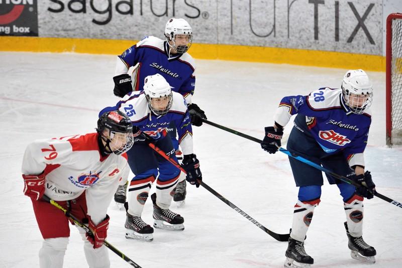 JHT:n U-16-joukkue kohtasi viikonloppuna Kajaanin Hokin ja Kalpa Akatemian.