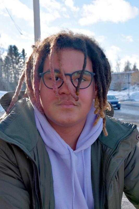 Daniel Valli, Kannus- Otsikot, jotka ovat isoimmalla.