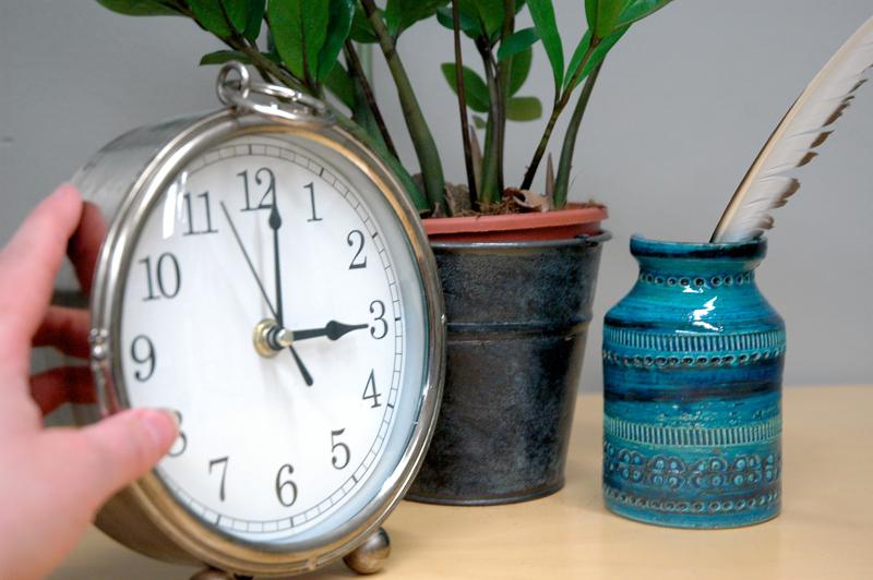 Sunnuntaina aamuyöstä kelloja siirretään tunnilla eteenpäin ja siirrytään kesäaikaan.