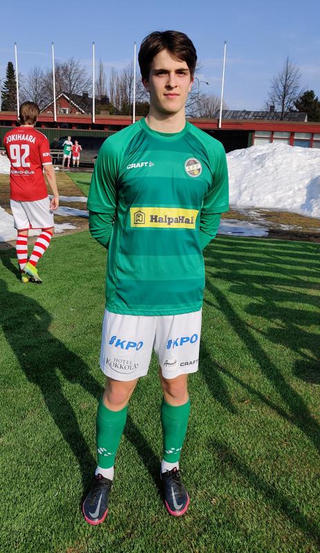Topparilupaus Noa Lehtonen laukoi yhen maalin 5-0 voitossa GBK:n verkkoon lauantaina.