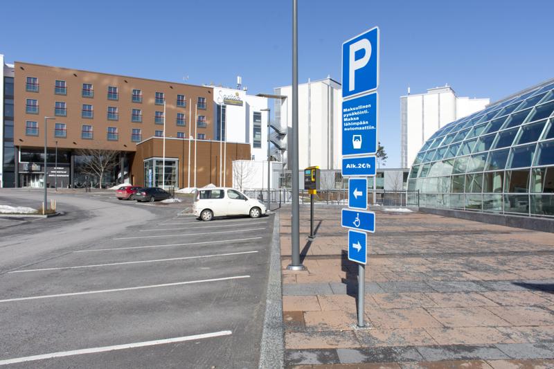 Ensimmäinen parkkimittari on asennettu Hiekkasärkkien ytimeen.