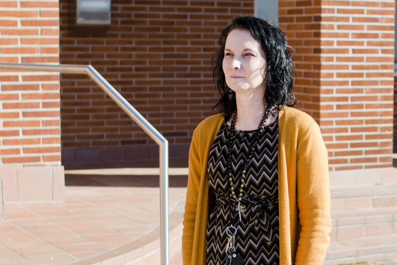 Nivalan kaupungin koulunuorisotyöntekijä Virpi Mehtälä iloitsee, että hänet on otettu kouluilla hyvin vastaan.