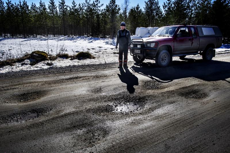 Eero Pelto-Arvo joutuu ajamaan varsinaisen rauhalliseen tapaan Kannuksen ja Raution välisellä maantiellä.