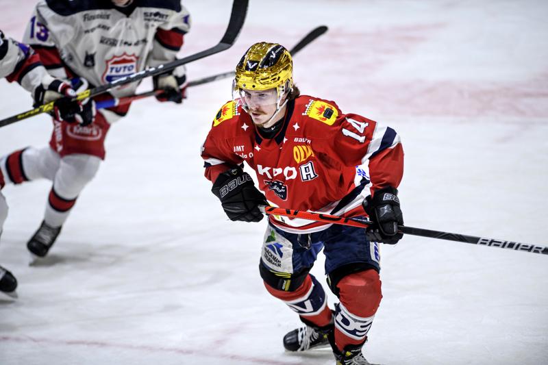 Erik Ahopelto lähtee tiistaina yllättämään Kiekko-Espoota.
