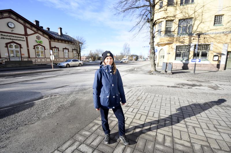 Kokkolan kansallinen kaupunkipuisto käsittää laajan alueen aina rautatieasemalta Tankariin saakka. Rosanna Telarannan tehtävä on tehdä puistoa tunnetuksi.