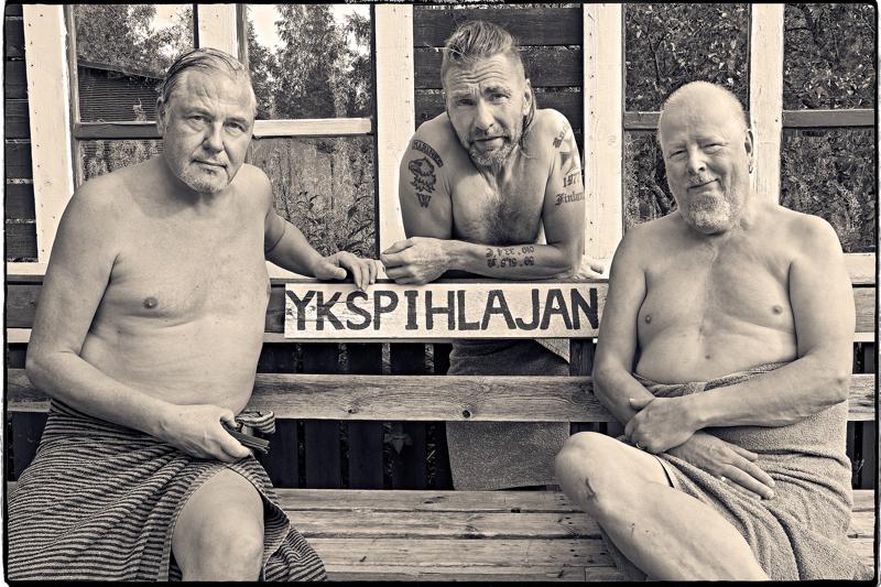 Michael Neunstedt (vas.), Jari Eklund ja Rune Snellman ottivat valokuvaprojektin teemaksi Ykspihlajan.