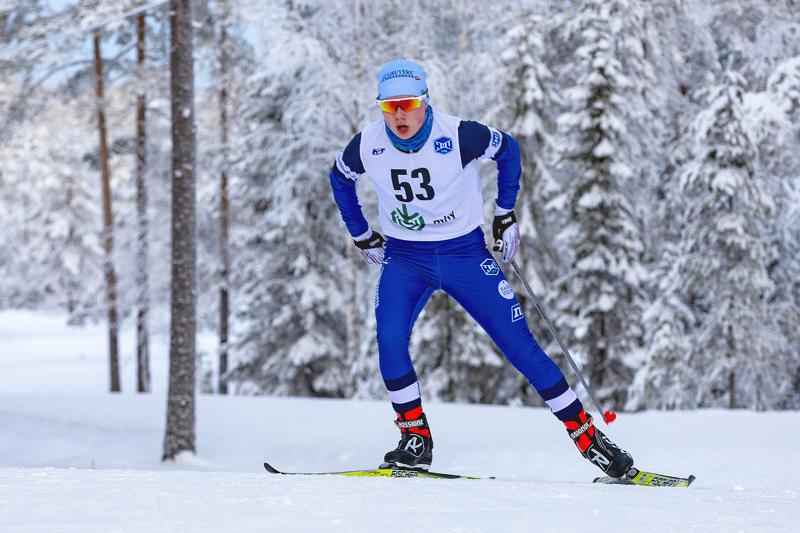 Ville Nieminen ei aivan tyytyväinen perjantaiseen sprinttiin ollut, mutta lähtee luottavaisena lauantaina perinteisen 8 km:lle. Arkistokuva.