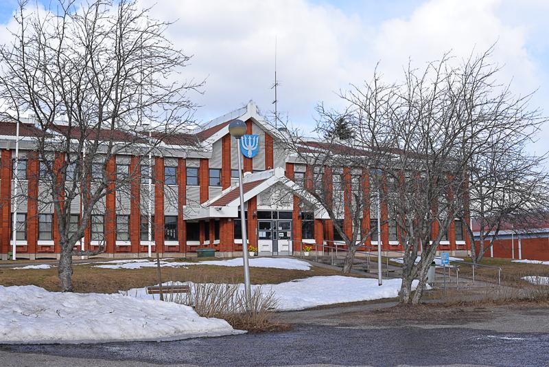 Reisjärven kunnan asioista keskustellaan kunnantalossa ja asukkaiden keskuudessa.