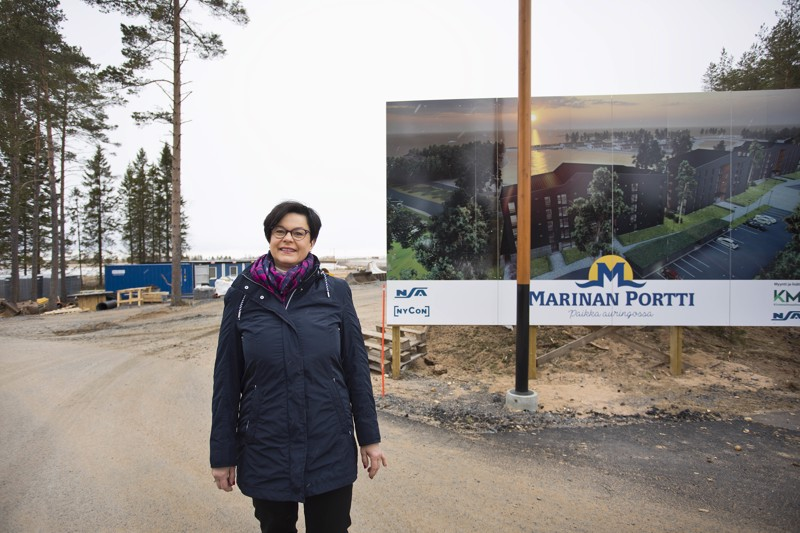 Kiinteistömaailma Kalajoki-Ylivieskan yrittäjä Anne Anttiroiko-Takala uskoo Marinan alueen nostattavan Kalajoen kiinnostavuutta asunto-ostajien silmissä. Marinan portin ensimmäisten kerrostalojen rakentamistyön on aloitettu.