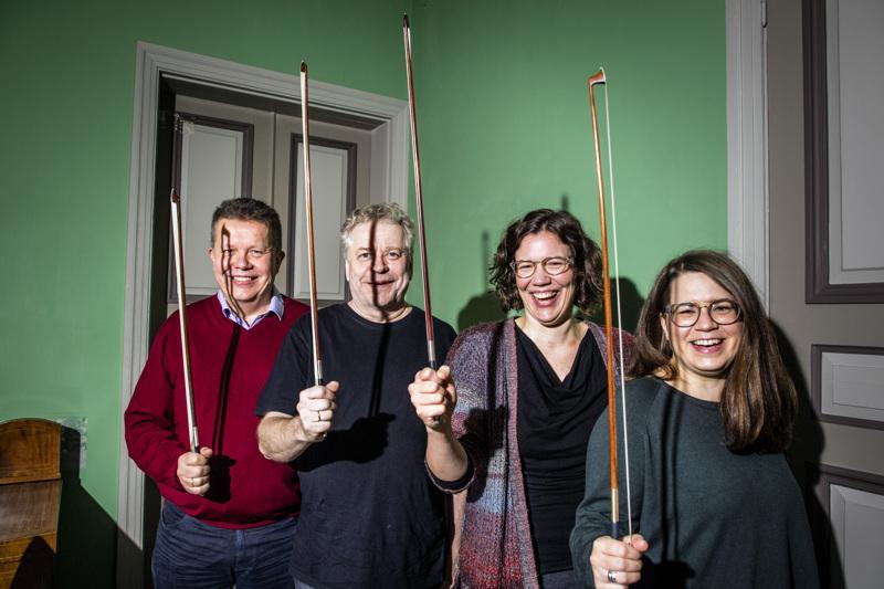 Kokkola-kvartetti valmiina konsertoimaan: Lauri Pulakka, Reijo Tunkkari, Hanna Pakkala, Reetta Kataja.