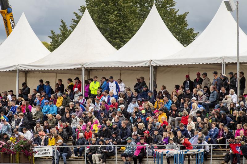 Keskipohjalaisen urheilun kunniagalleria on kunnianosoitus maakunnan urheilulle. Kuva Ylivieskan SM-viesteistä 2019.