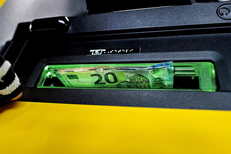 Käteistä nostetaan muuta maata innokkaammin pankkikonttoreista Pohjanmaalla ja Keski-Pohjanmaalla