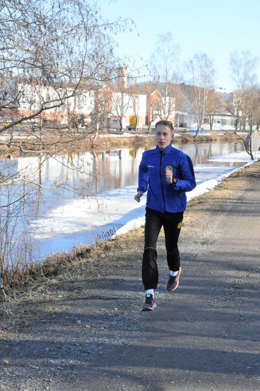 Jimi Rousu lenkkeilee usein Suntin rannoilla ja lähimaastoissa.