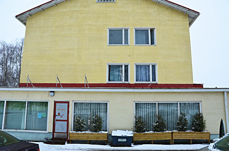 Tukikeskuksen toiminta Pappilantiellä jatkuu edelleen arkipäivisin.