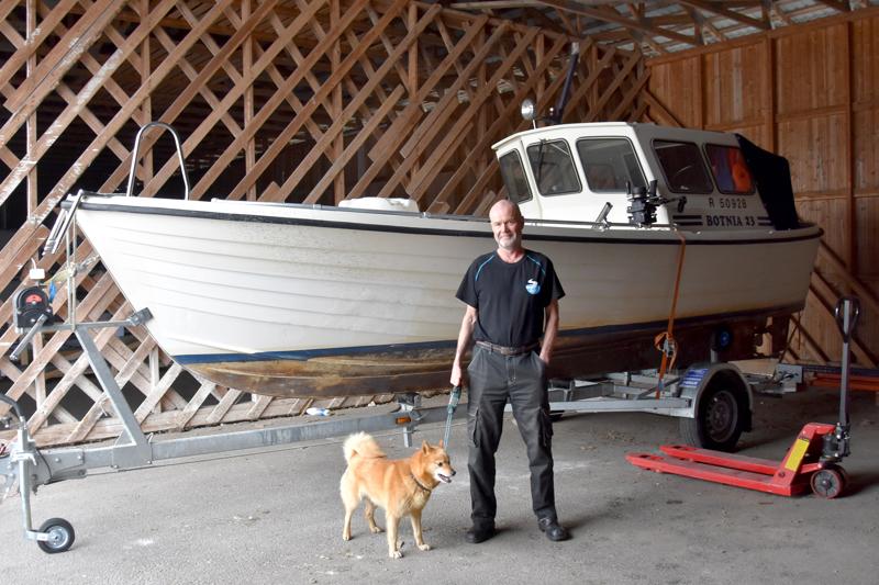 Venevarkaat kiinni. Raimo Gromoff otti kiinni varkaat ja odotti poliisin saapumista puolisen tuntia. Maanantaina vene oli takaisin varastossa.