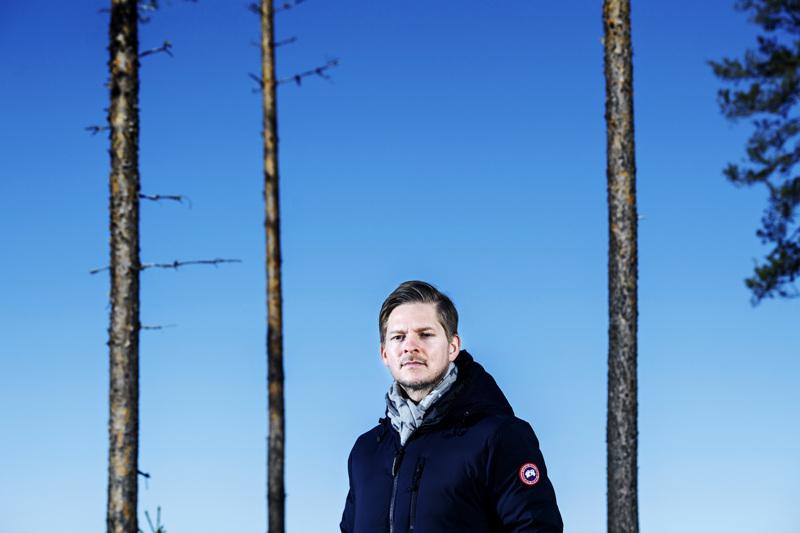 Vielä niitä honkia humisee... Toni Lahti on hoidellut korona-aikana töitä etänä niin kuin moni muukin suomalainen.