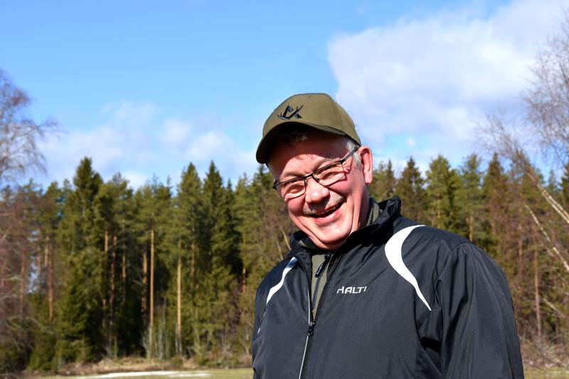 Raimo Kielenniva on huolissaan siitä, että suomalainen metsäomaisuus päätyy kansainvälisten rahastojen haltuun.