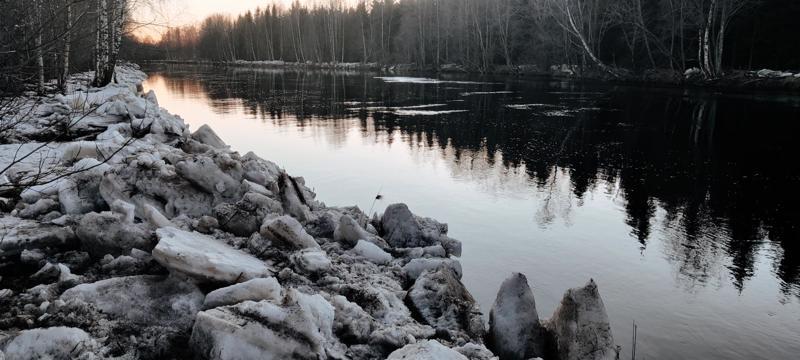 Perhonjoen jäät ovat lähteneet.