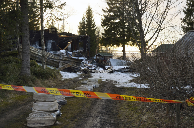 Palo tuhosi huvilan ja sen irtaimiston täysin.