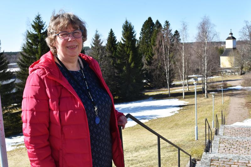 Lea Alilan vastuualueena Haapaveden seurakunnassa ovat olleet 7–14-vuotiaat lapset ja nuoret. –On ollut antoisaa seurata lasten kasvua kerholaisista rippikoululaisiksi ja isosiksi tai kerhonohjaajiksi, hän toteaa.