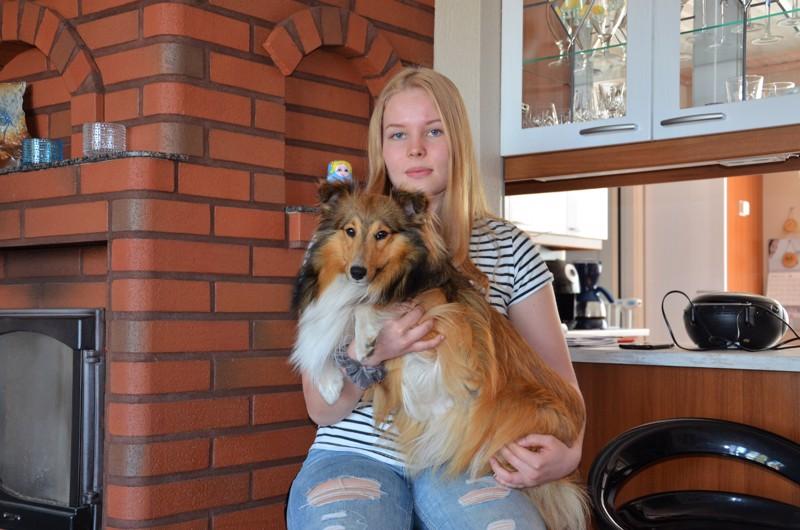 Onnea! Alina Patanalla ja Ässä-koiralla ei näyttelyura ole päässyt vielä alkamaan osittain koronarajoitusten vuoksi.